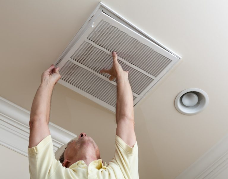Installing air condtioners