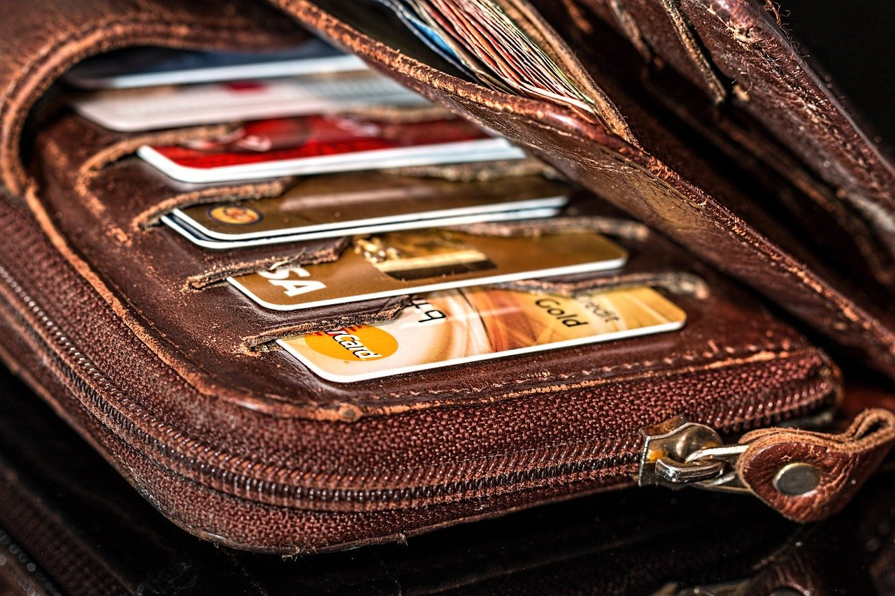 credit-cards-inside-a-wallet